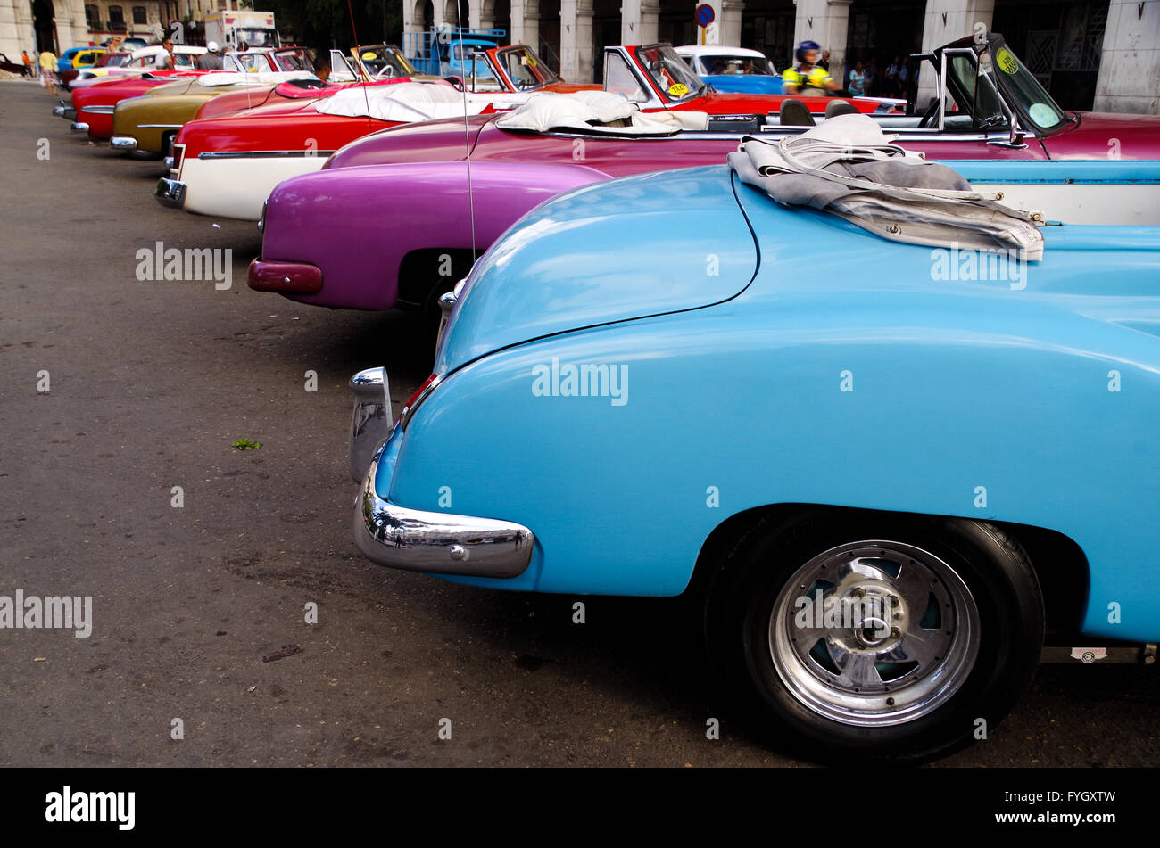 Vintage convertible cars parked in a row in Havana, Cuba - Stock Image