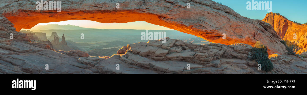 america, arch, attraction, canyon, canyonlands, cliff, desert, famous, formation, geology, landmark, landscape, - Stock Image