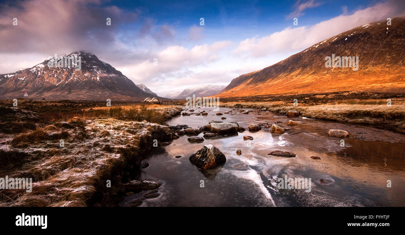 The frozen River Etive on the high Rannoch Moor in the West Highlands of Scotland. - Stock Image