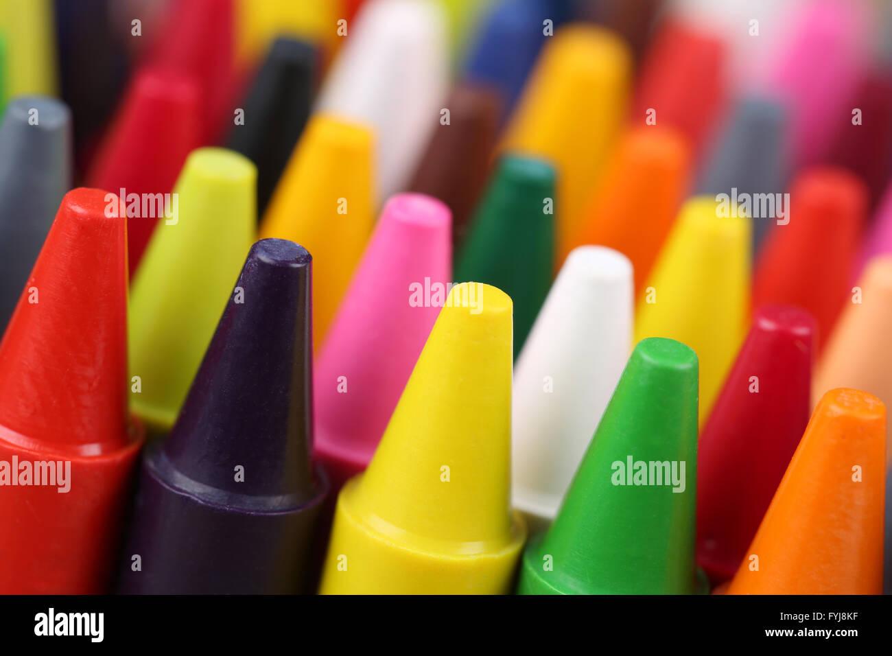 Stifte zum Malen für Kinder im Kindergarten Stock Photo