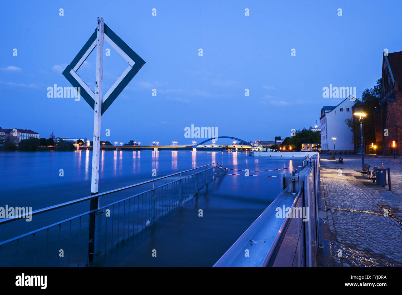 Flooded promenade at River Oder, Frankfurt Oder - Stock Image