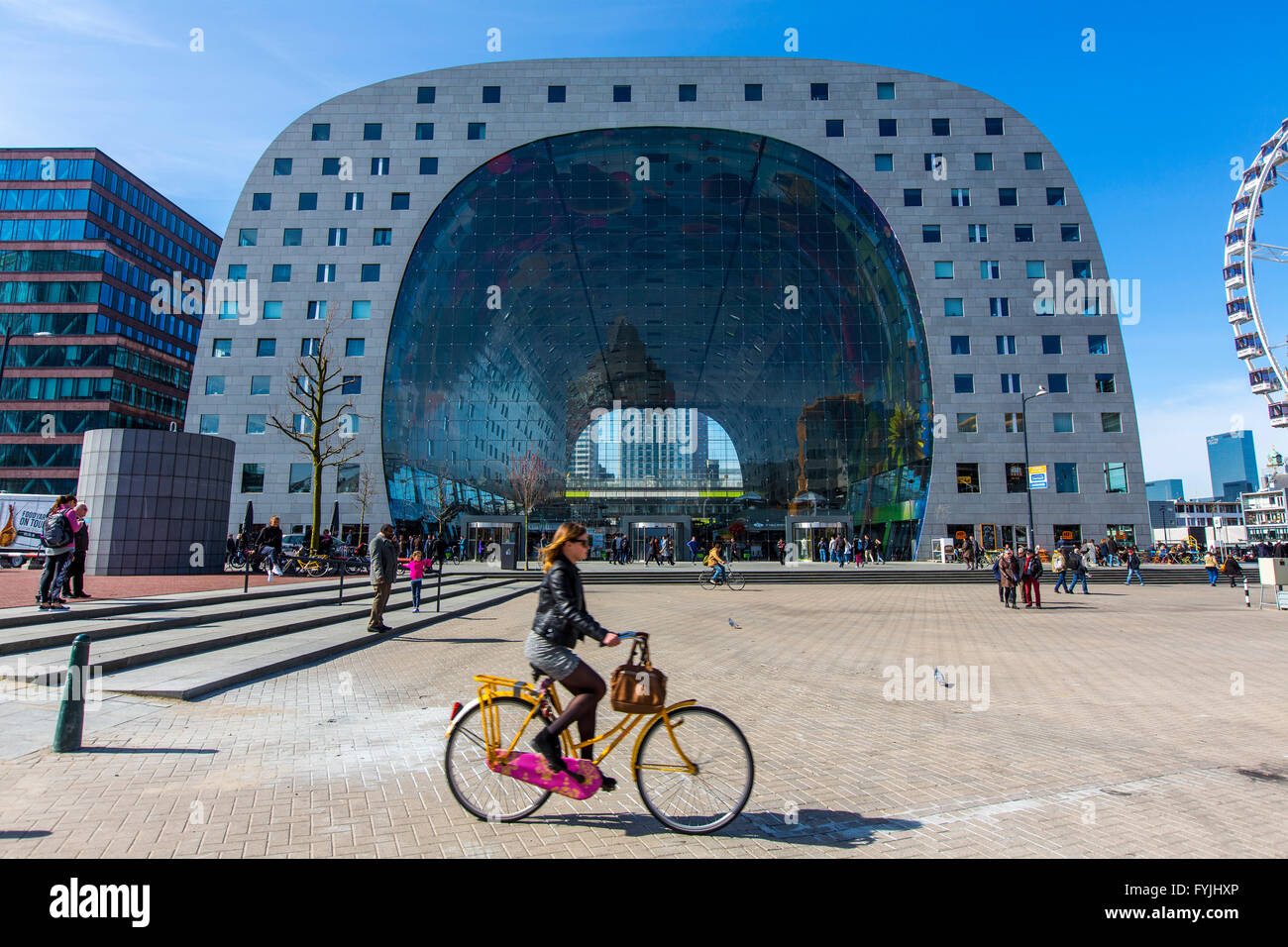 The new market hall in Rotterdam, the first covered market place in the Netherlands with more than 90 food shops - Stock Image