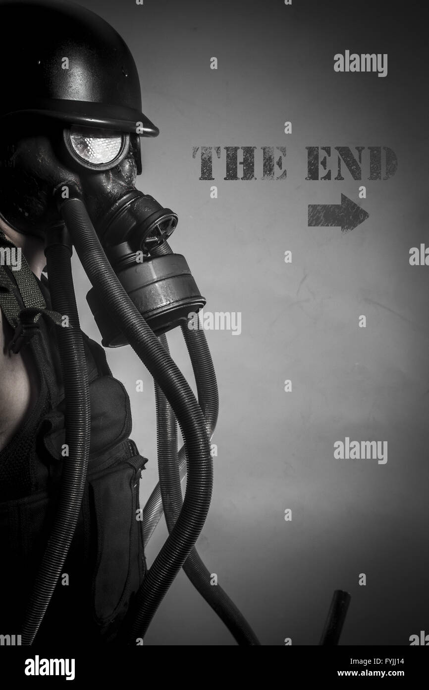 War, nuclear disaster, man with gas mask, protection - Stock Image