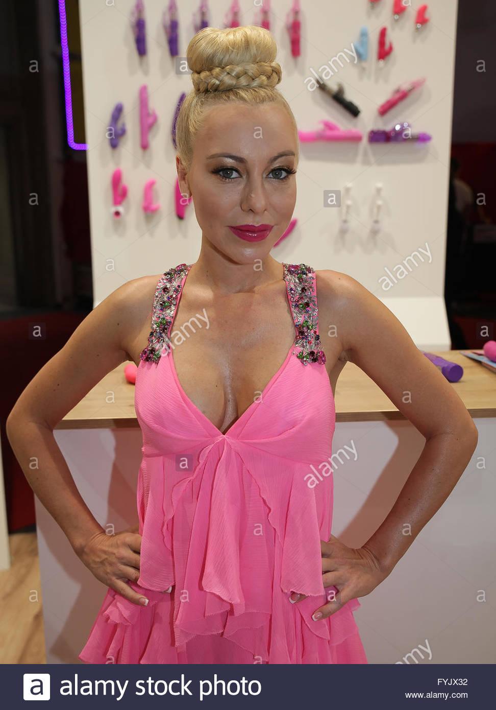 Celebrites Nina Kristin nudes (61 photo), Pussy, Leaked, Twitter, bra 2019