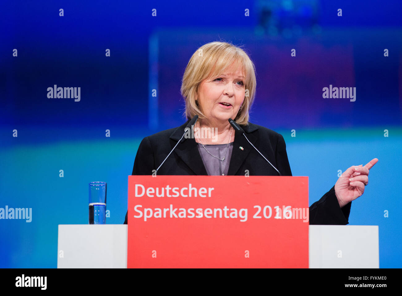 North Rhine-Westphalia's Premier Hannelore Kraft (SPD) speaks during a the ' Deutschen Sparkassentag ', - Stock Image