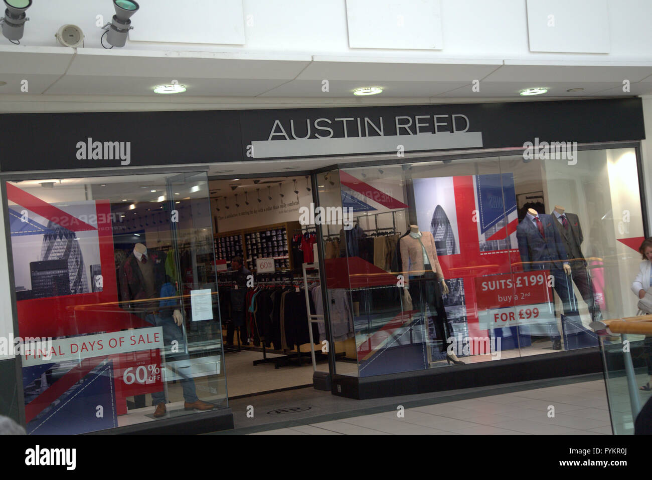 Austin Reed Uk High Resolution Stock Photography And Images Alamy
