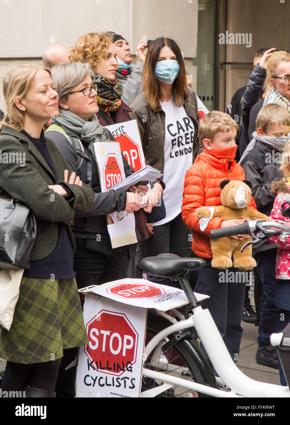 London, UK. 27th Apr, 2016. Protesters including the Green Party candidate for London Mayor, Sian Berry, stage a - Stock Image