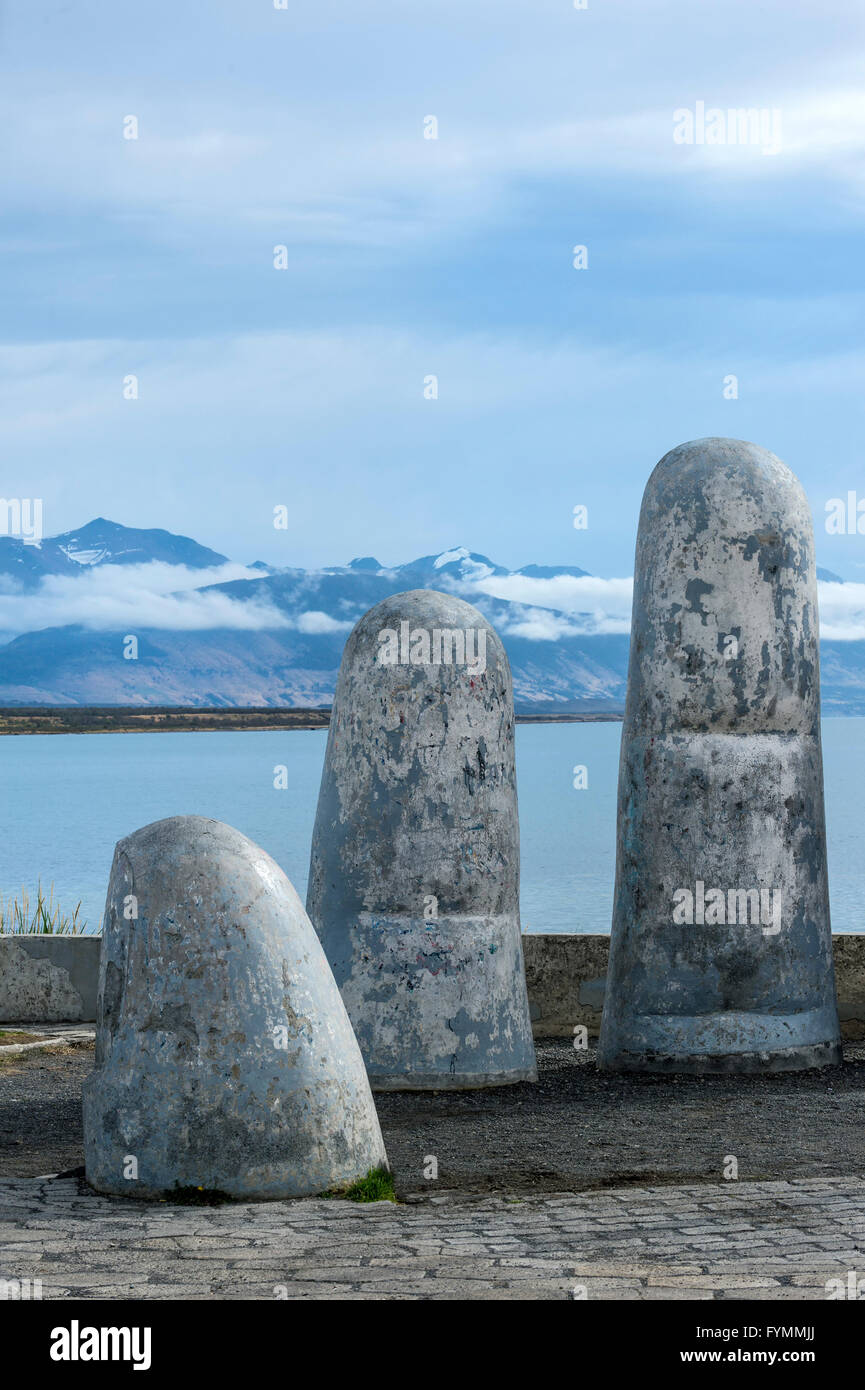 Fingers statue on the waterfront, Puerto Natales, Patagonia, Chile - Stock Image