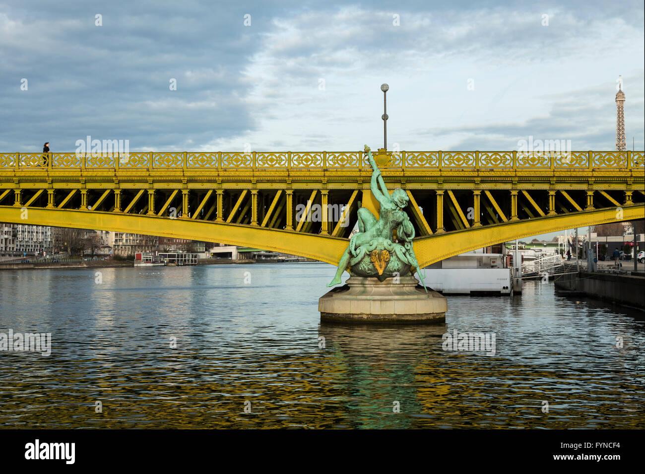 Mirabeau bridge, pont mirabeau, paris, 2015 Stock Photo