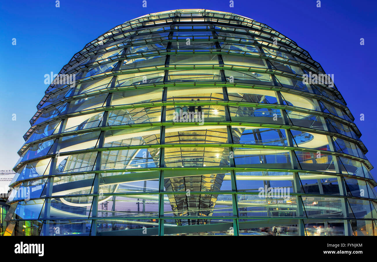 Berlin, Reichstag, roof terasse, dome,  Norman Forster, twilight - Stock Image