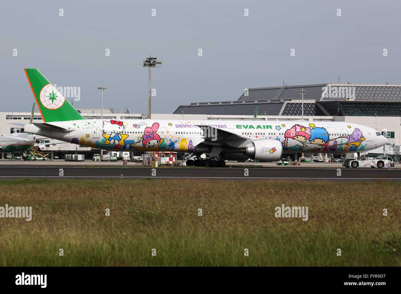 EVA Air Boeing 777-300ER Hello Kitty Flugzeug Flughafen Taipeh Taoyuan - Stock Image