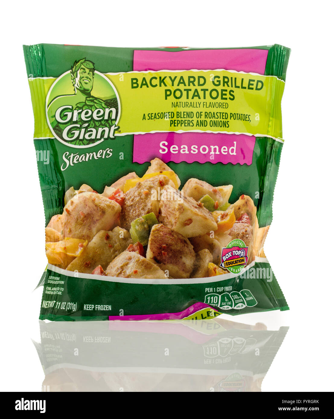 Winneconne, WI - 13 March 2016: A bag of Green Giant backyard grilled potatoes - Stock Image