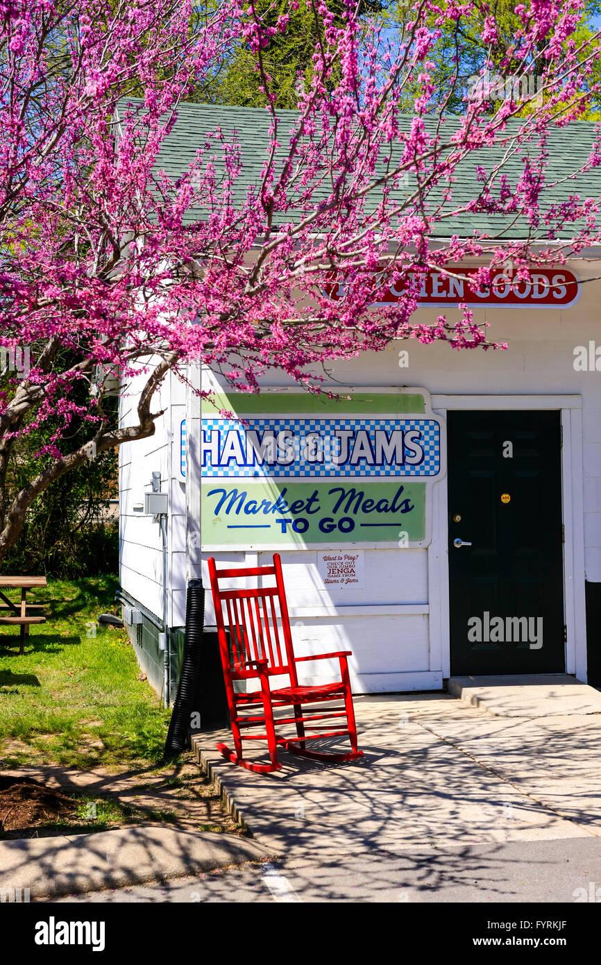 Loveless Hams & Jams Country Market store, part of the Loveless Cafe on Hwy 100, Nashville, TN - Stock Image