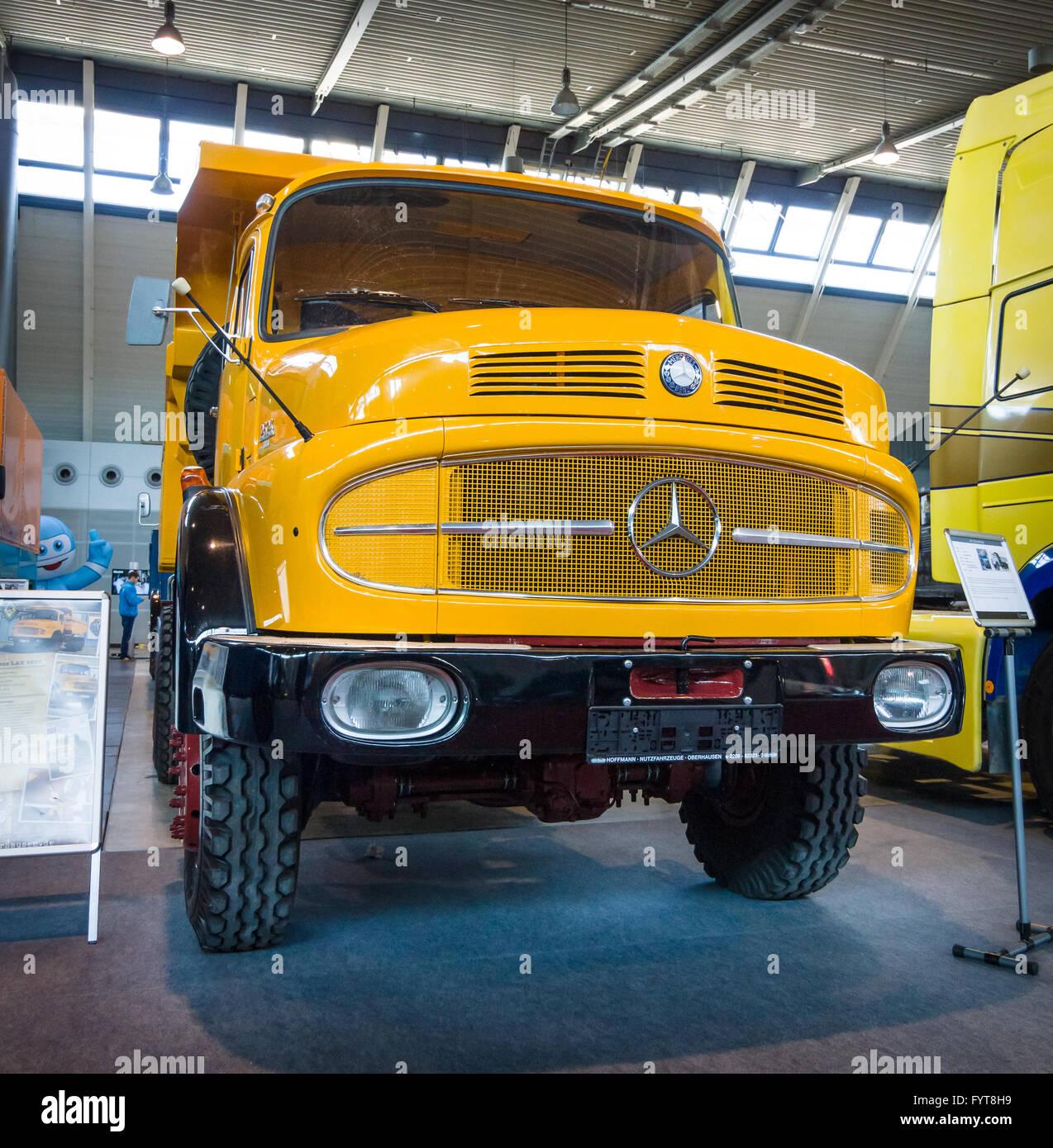 Heavy truck Mercedes-Benz LAK 2624 6X6 Mulde, 1974.