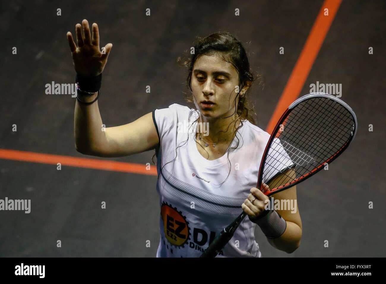 Kuala Lumpur, Malaysia. 28th Apr, 2016. Egypt's Nour El Sherbini knock-out Malaysian squash queen Nicol David - Stock Image