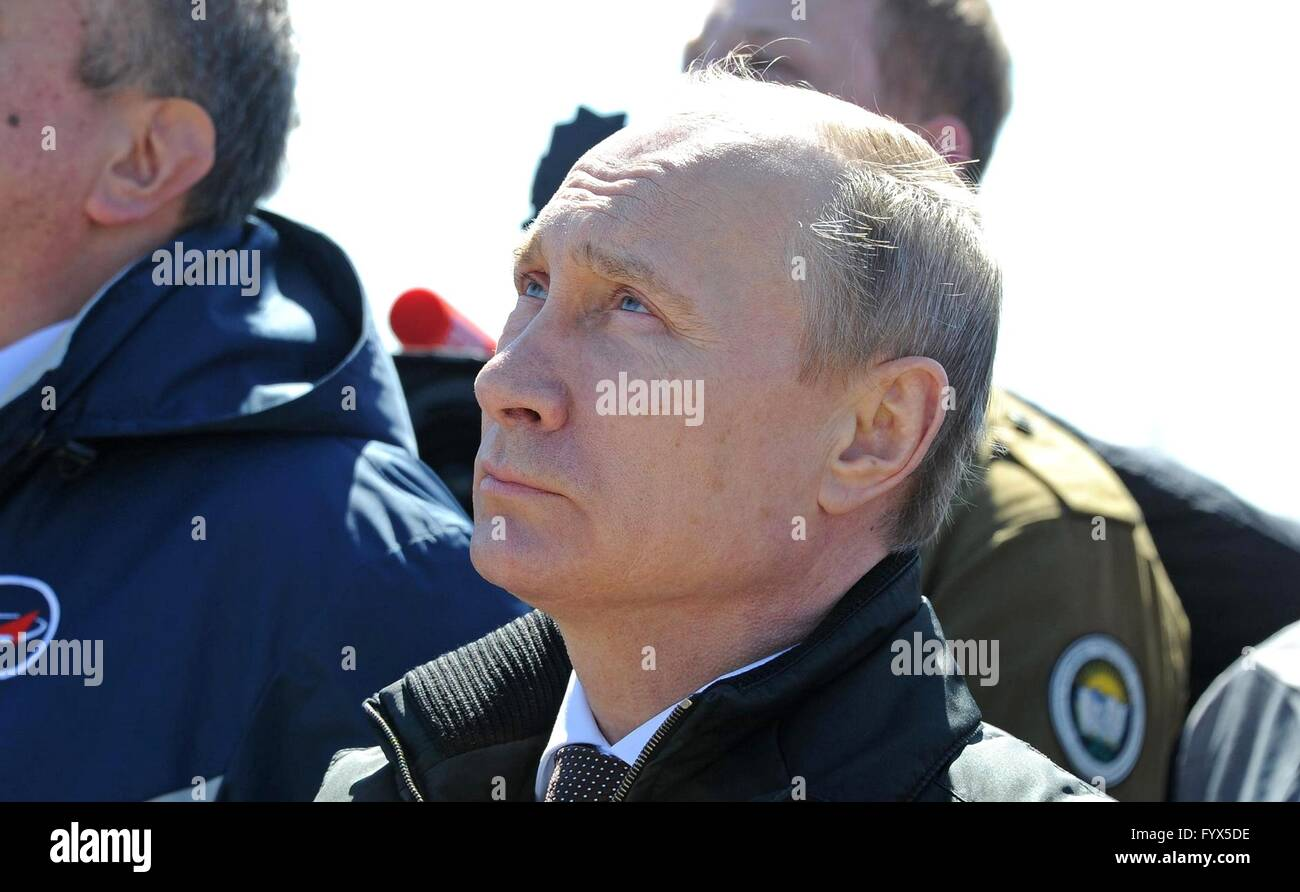 Uglegorsk, Russia. 28th April, 2016. Russian President Vladimir Putin watches the Russian Soyuz 2.1a rocket launch - Stock Image