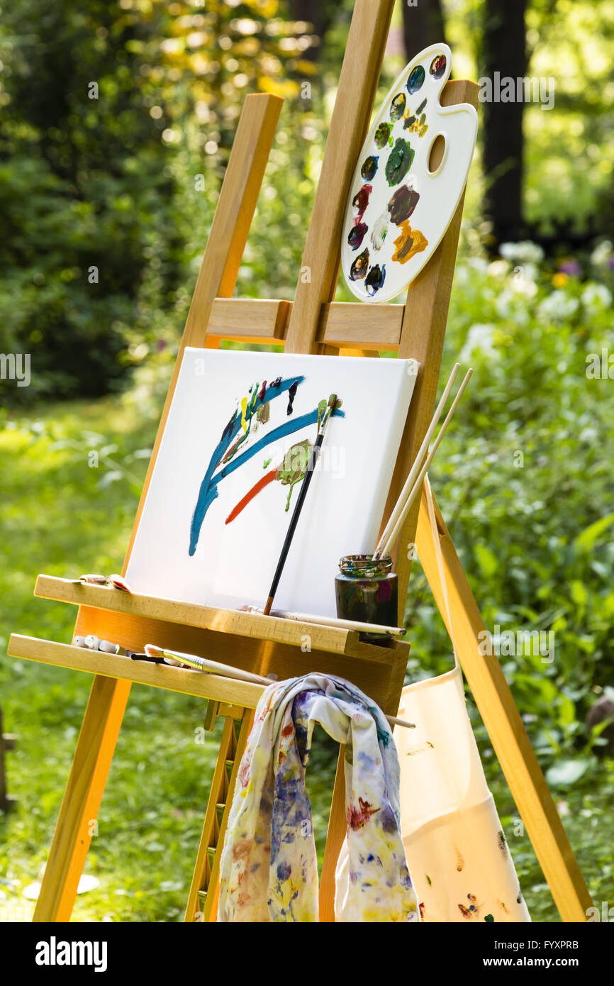 Painting Easel Stock Photos & Painting Easel Stock Images - Alamy