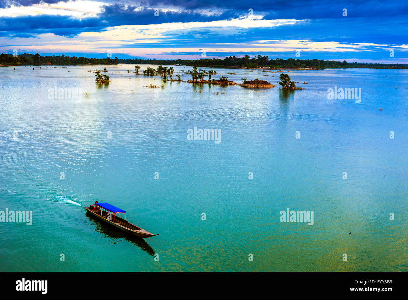 Asia. South-East Asia. Laos. Province of Champassak. 4000 islands. Don Khon island. The Mekong to the Cambodian - Stock Image