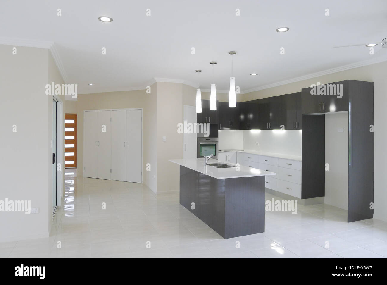Miraculous Modern Kitchen With Overhead Lights And Island Work Bench Machost Co Dining Chair Design Ideas Machostcouk