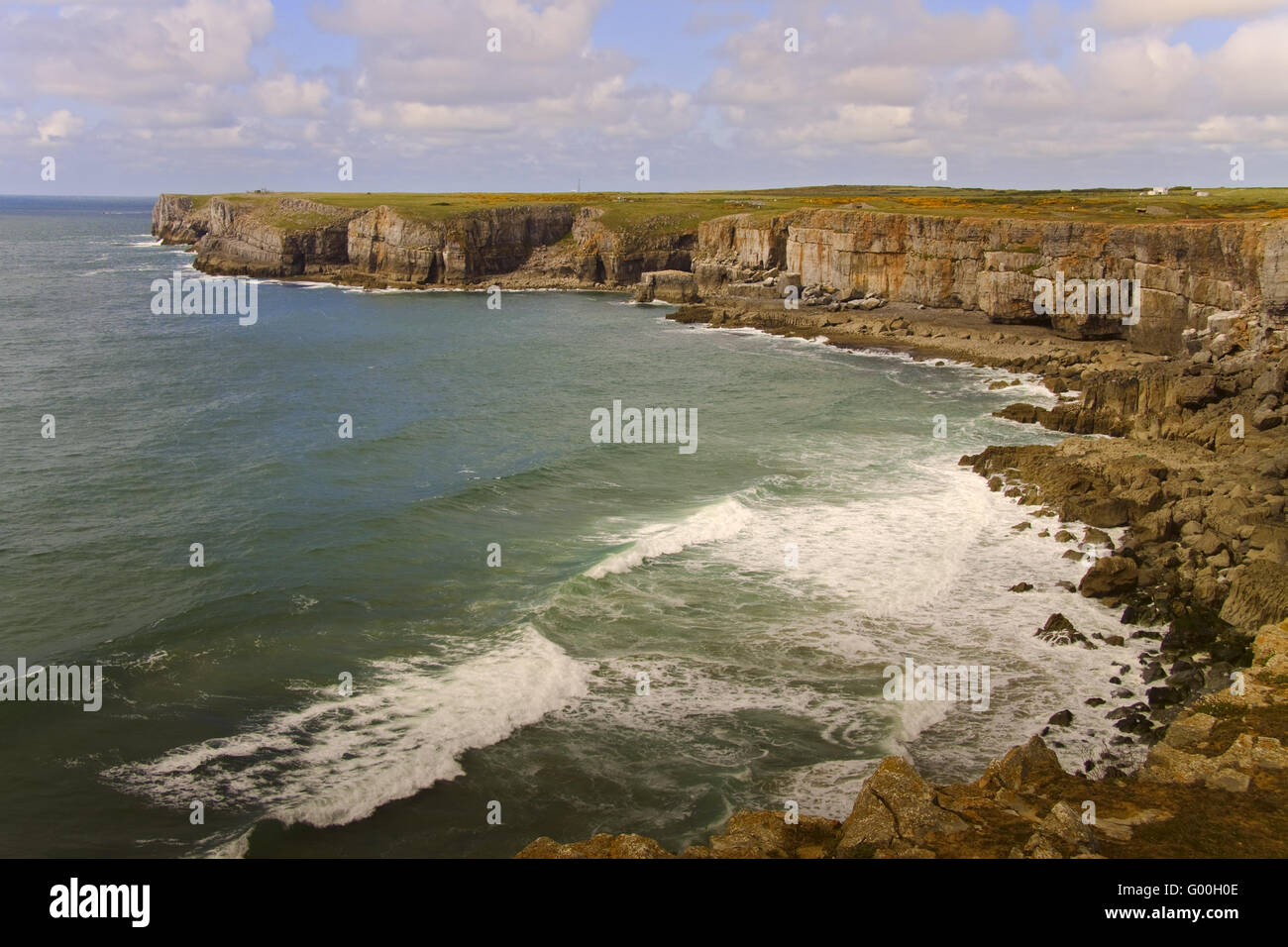 UK Pembrokeshire  Beach Scene Near Elegug Pillars - Stock Image