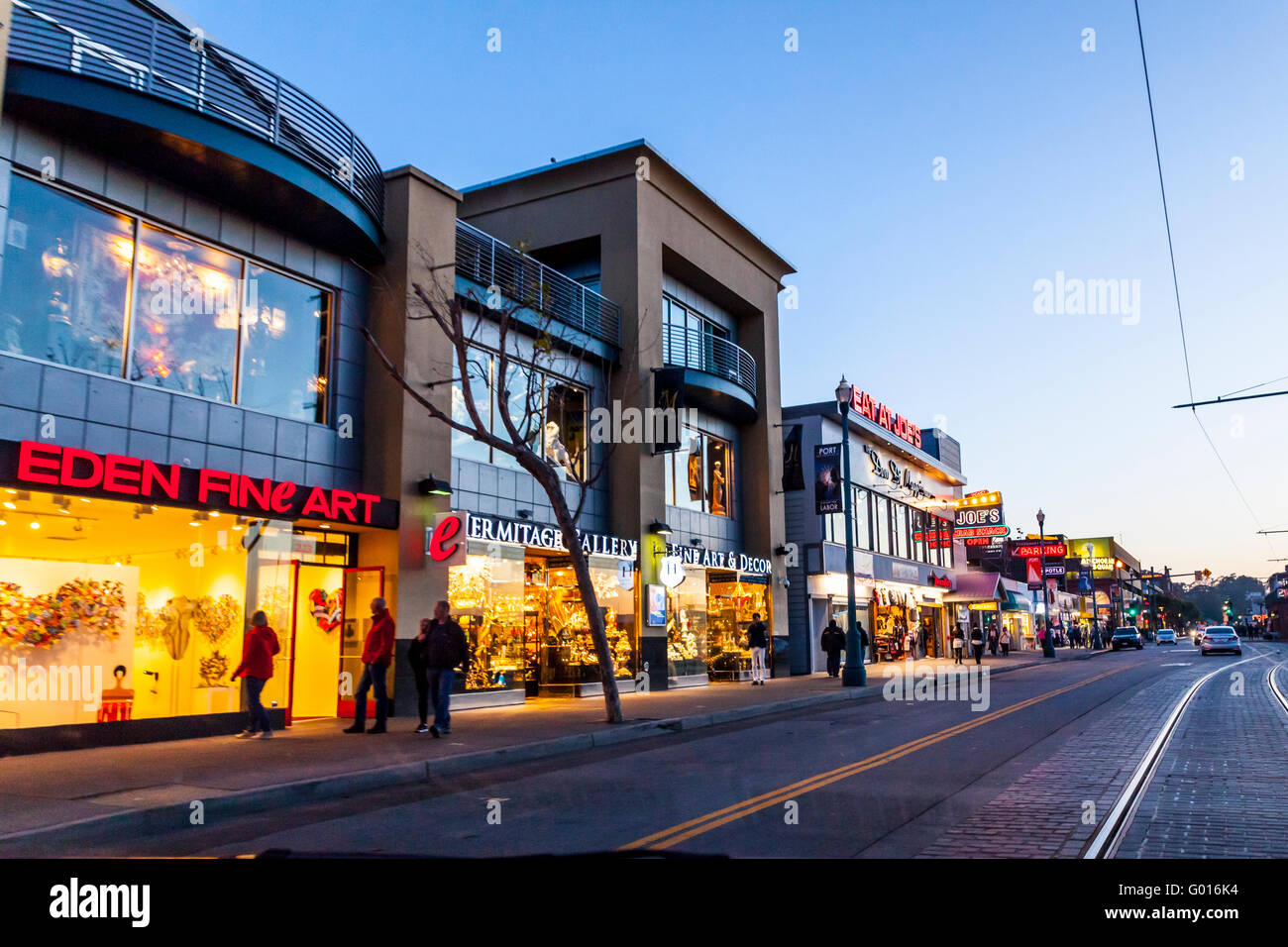 Tourist shops in the Fishermans Wharf area of San Francisco - Stock Image