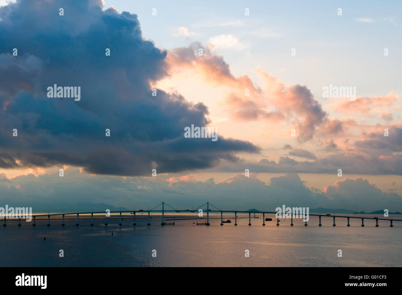 The panorama of friendship birdge at daybreak - Stock Image