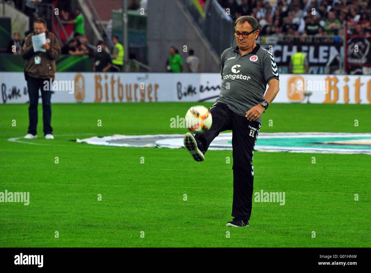 Ewald Lienen, Trainer FC St. Pauli, Hamburg, Deutschland. Editorial use only. - Stock Image