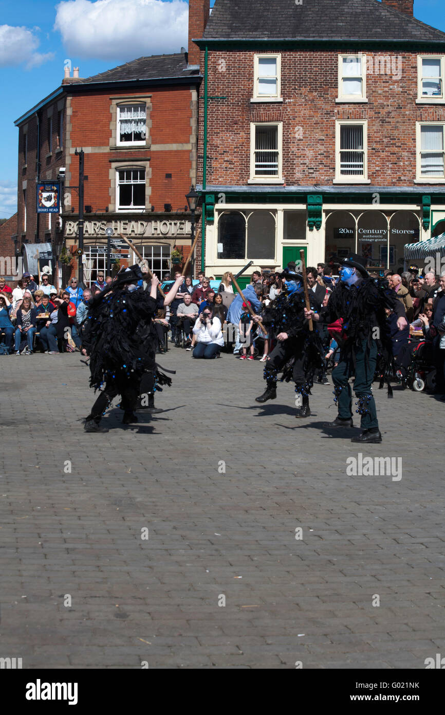 Boggart's Breakfeast Dancing Group Stockport Folk Festival  2015 Stockport Cheshire England - Stock Image