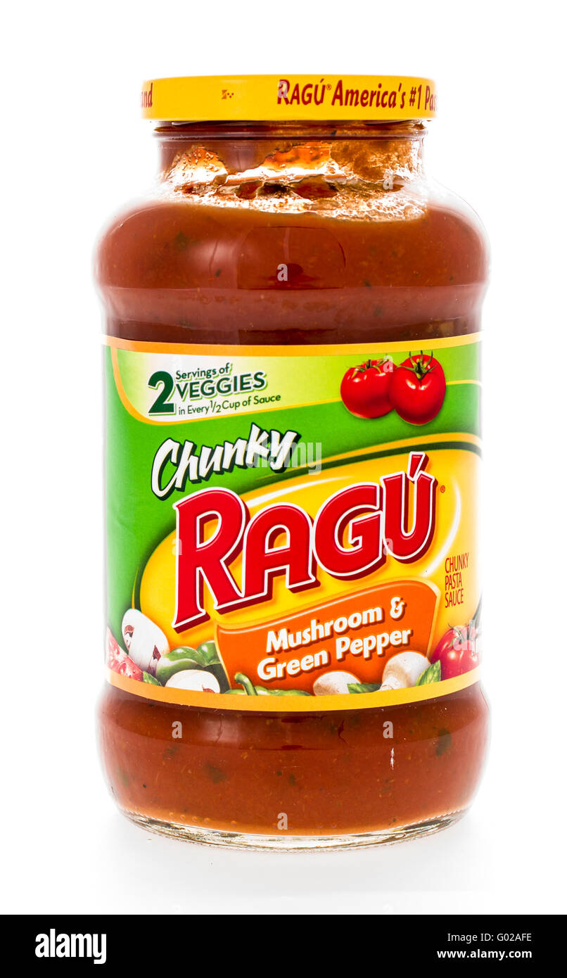 winneconne, WI - 7 February 2015:  Jar of Ragu Mushroon & Green Pepper flavored pasta sauce. - Stock Image