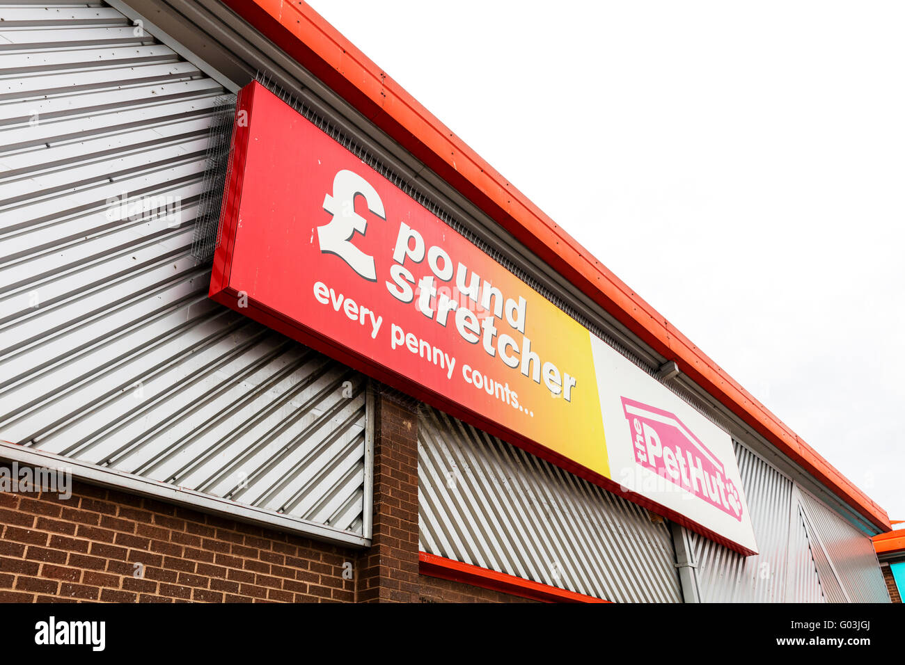 Pound stretcher discount shop retailer shopping sign name store exterior logo UK England retail shops stores company - Stock Image