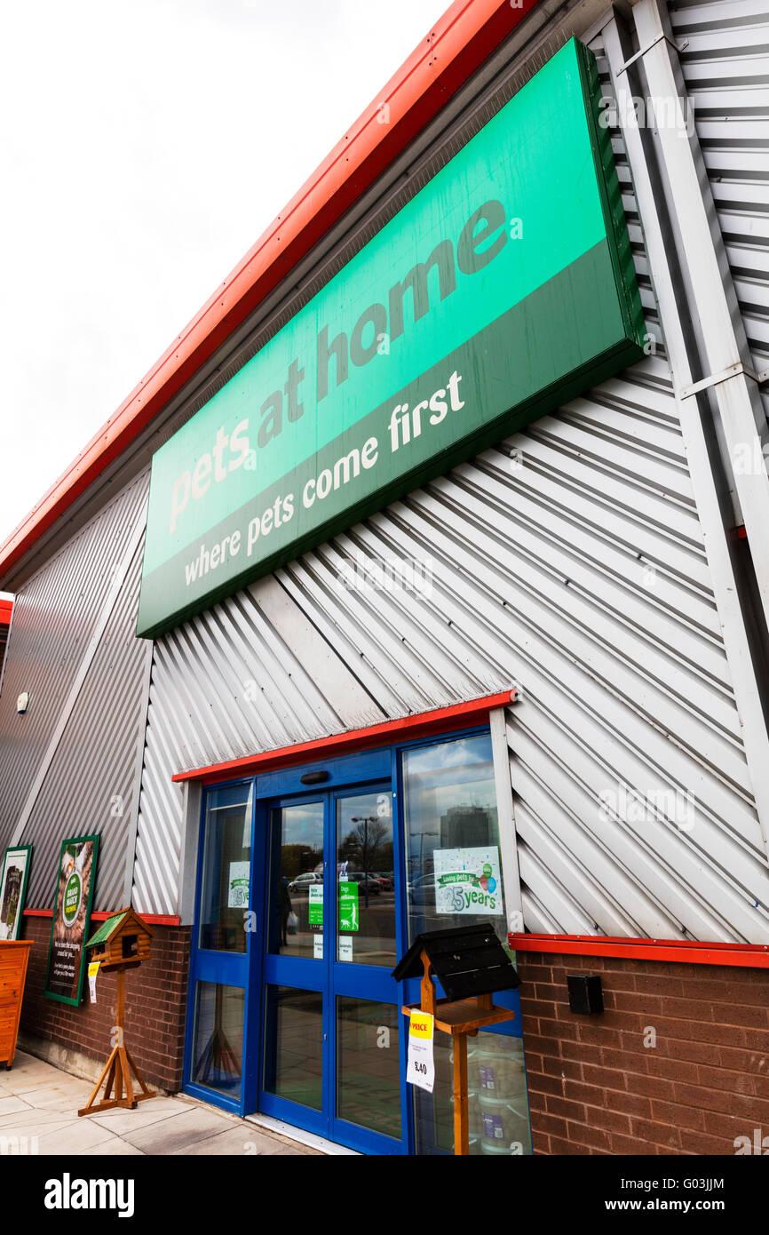 Pets at home shop pet food retailer shopping sign name store exterior logo UK England retail shops stores company - Stock Image