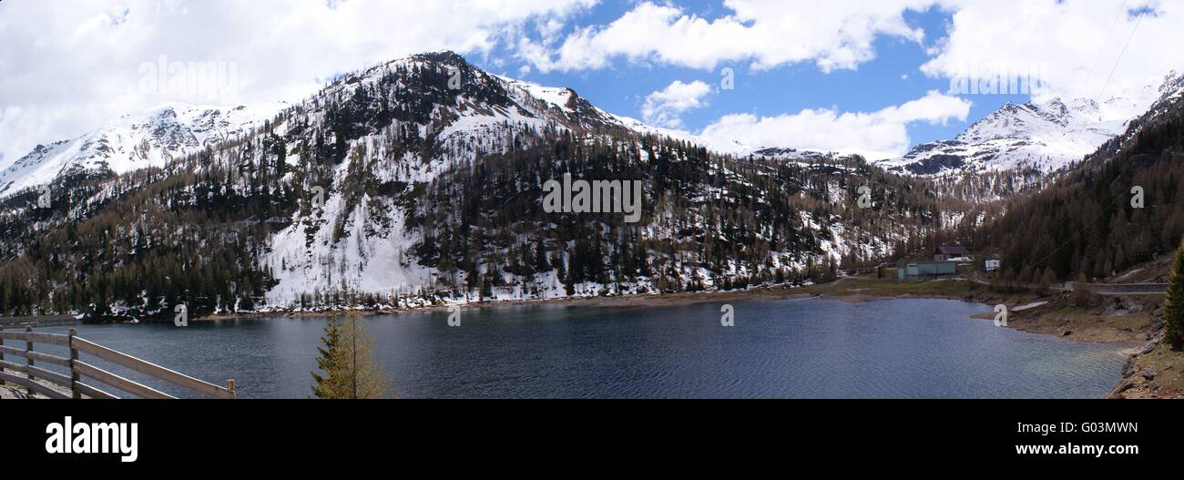 Weißbrunnsee at the end of the Ultimo Valley - Stock Image