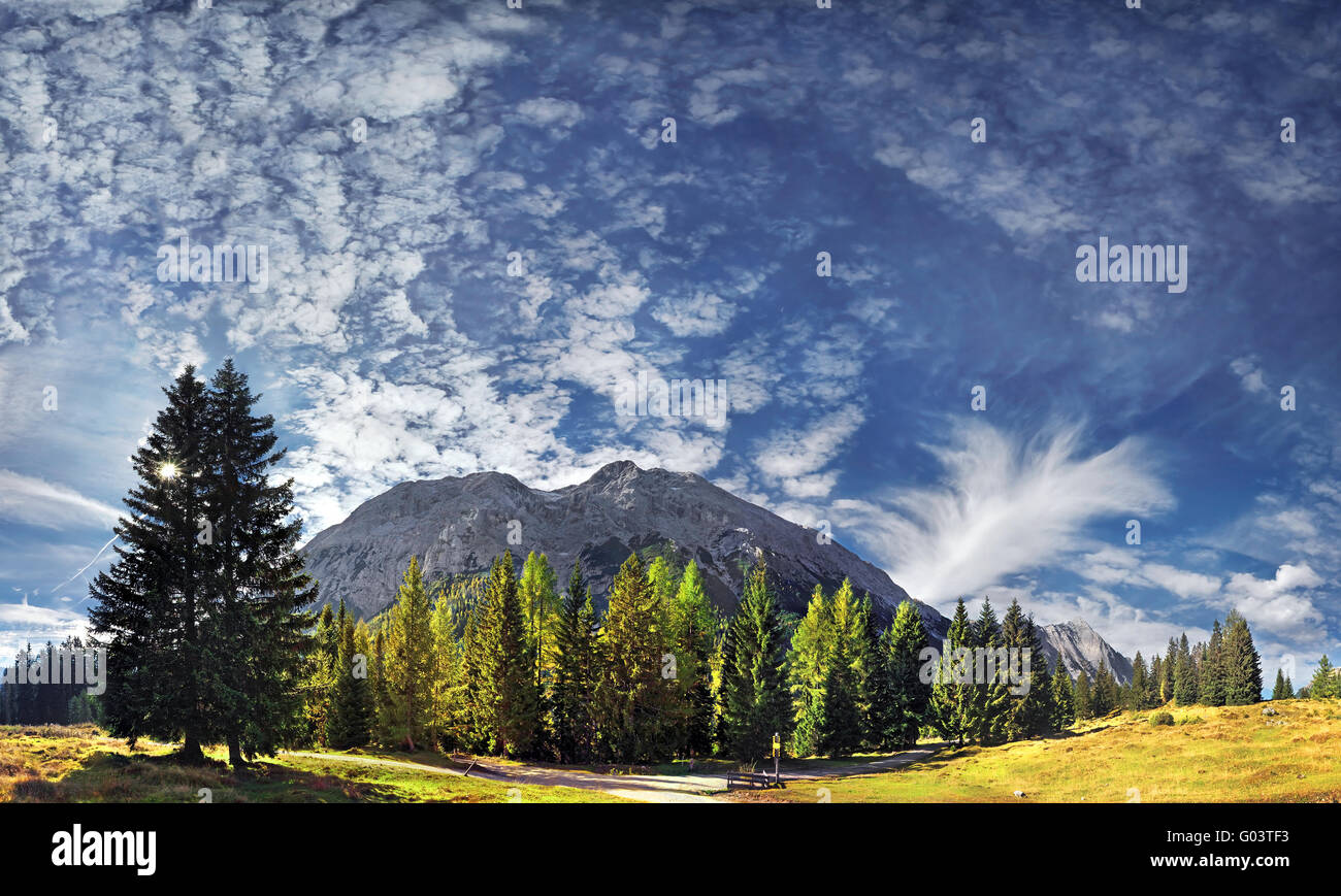 Hairdrier clouds over the Mieminger mountains with - Stock Image