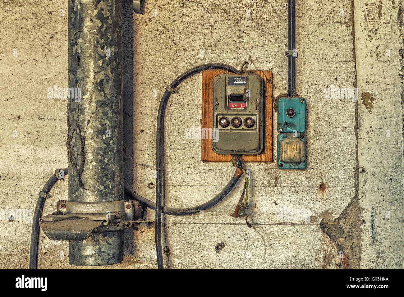 Electrotechnical industrial archeology - old electric light switch ...