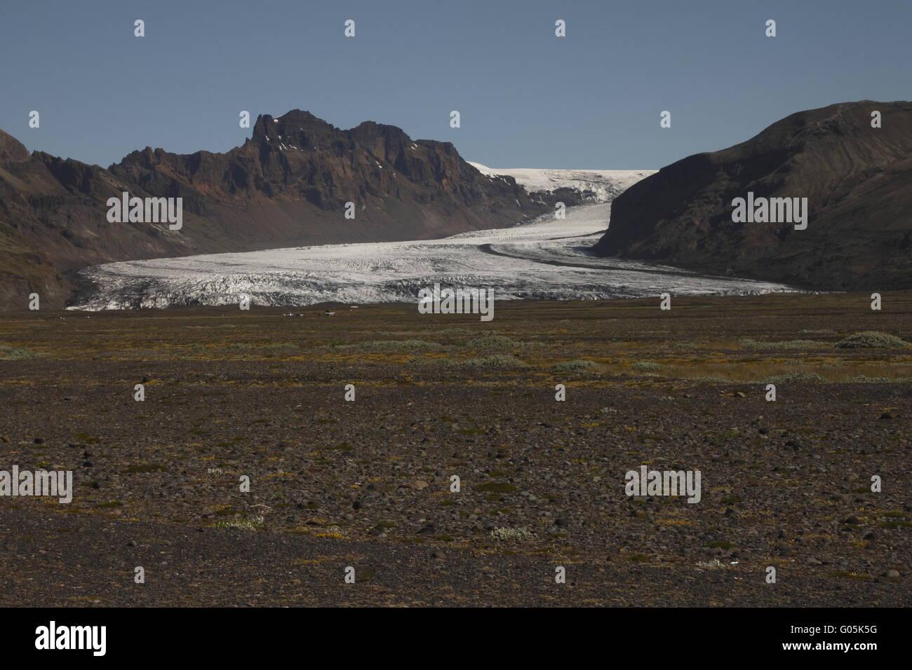 Skaftafellsjökull is one of the outlet glaciers (glacier tongues) of the Vatnajökull ice cap. Skaftafell - Stock Image