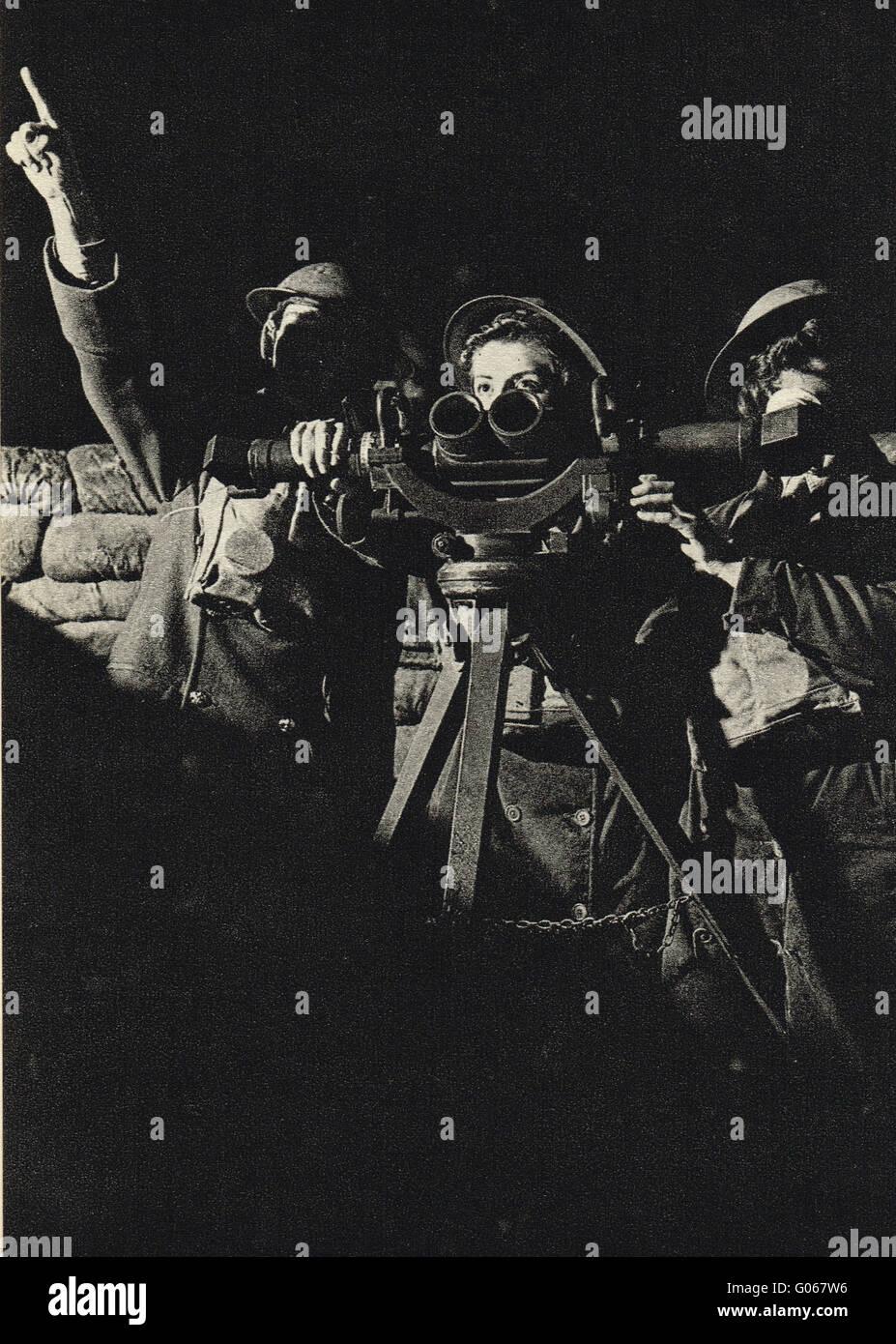 Women at war Women operating an Aircraft Battery WW2 - Stock Image