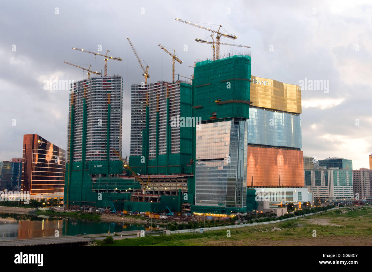 Construction site of edifice beside MGM casino - Stock Image