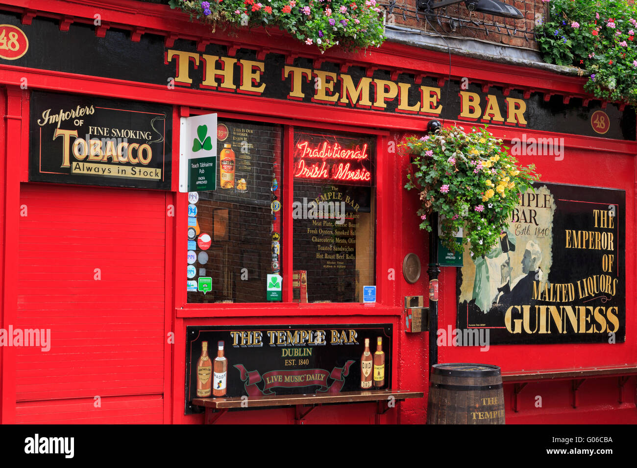 Pub, Temple Bar, Dublin City, County Dublin, Leinster, Ireland, Europe Stock Photo