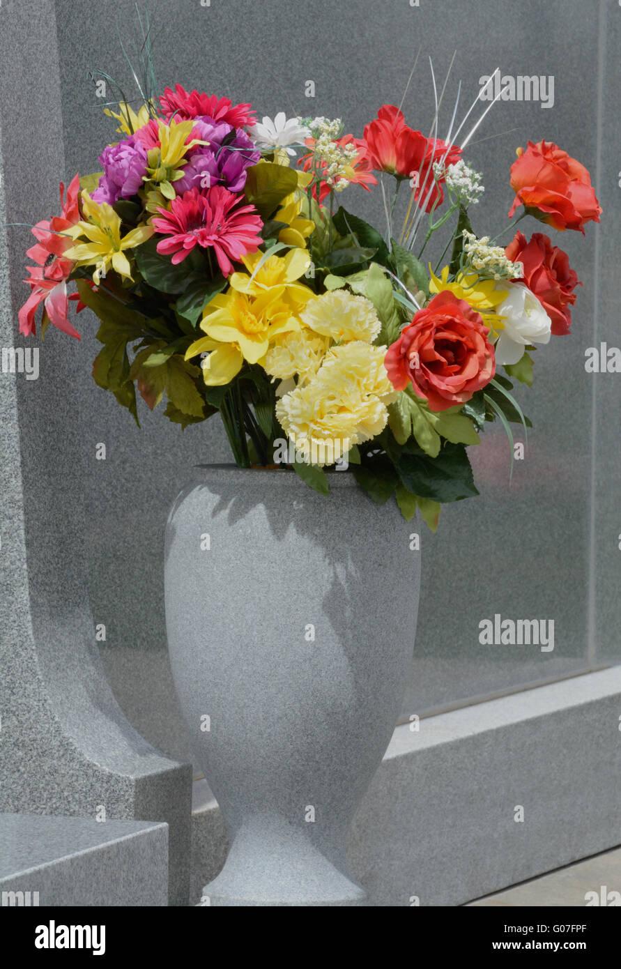 Flowers Grave Vase Stock Photos Flowers Grave Vase Stock Images