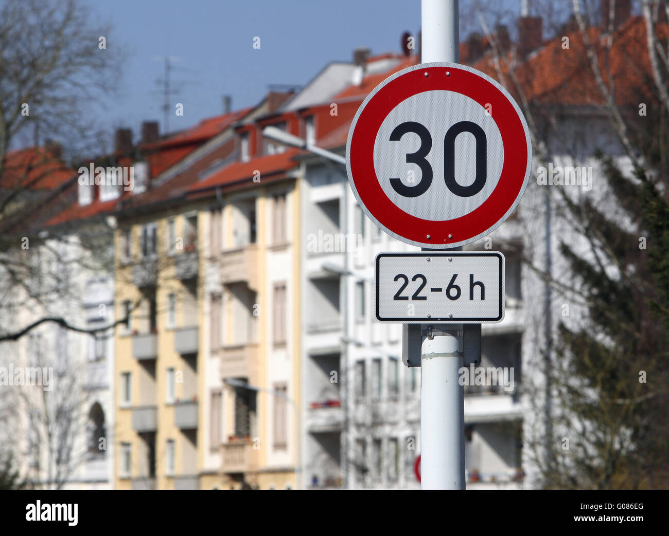 30 mph in the city in the night Stock Photo