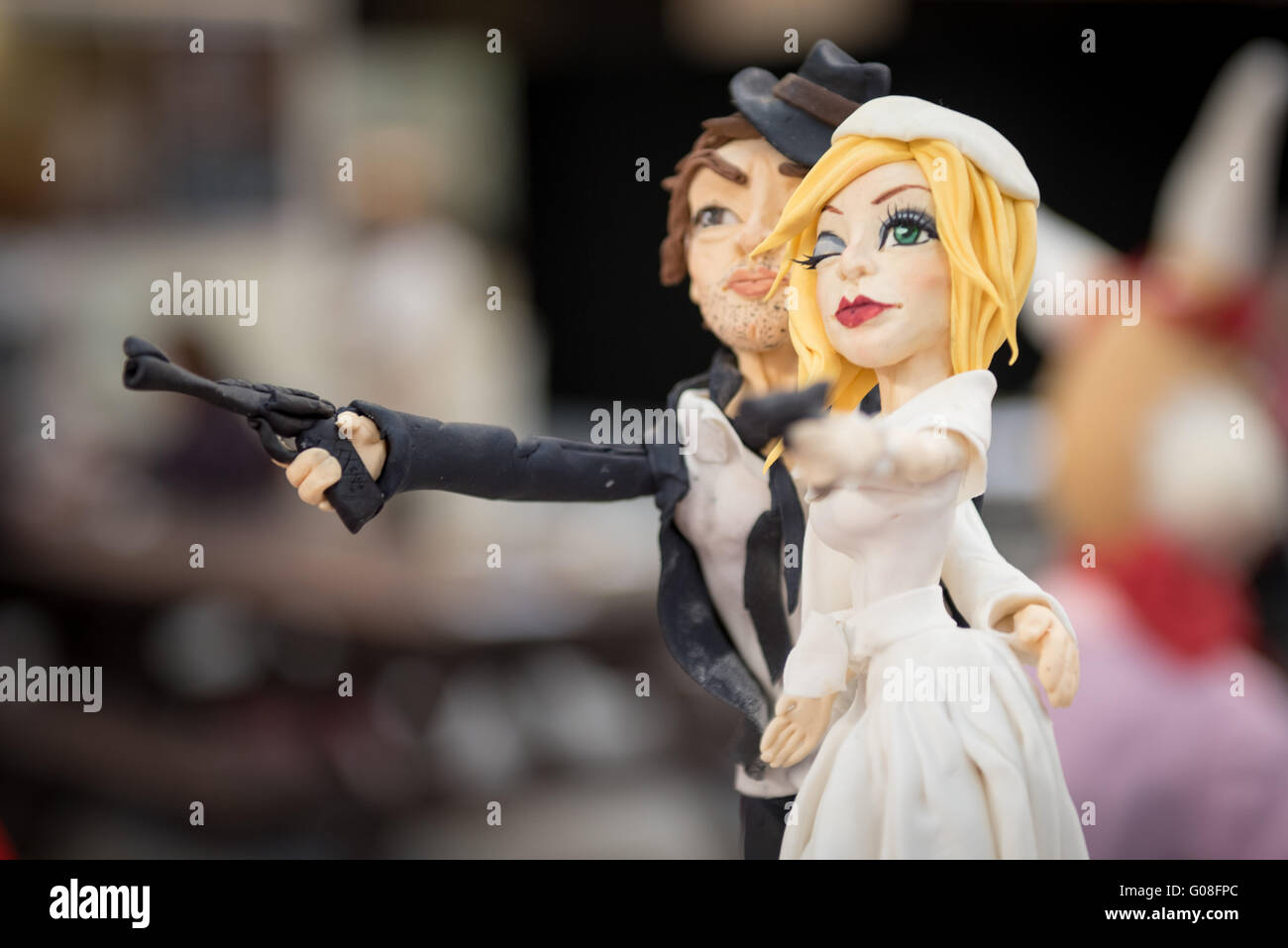 Getting Hitched Outlaws Bonnie and Clyde Wedding Cake  |Bonnie And Clyde Cakes