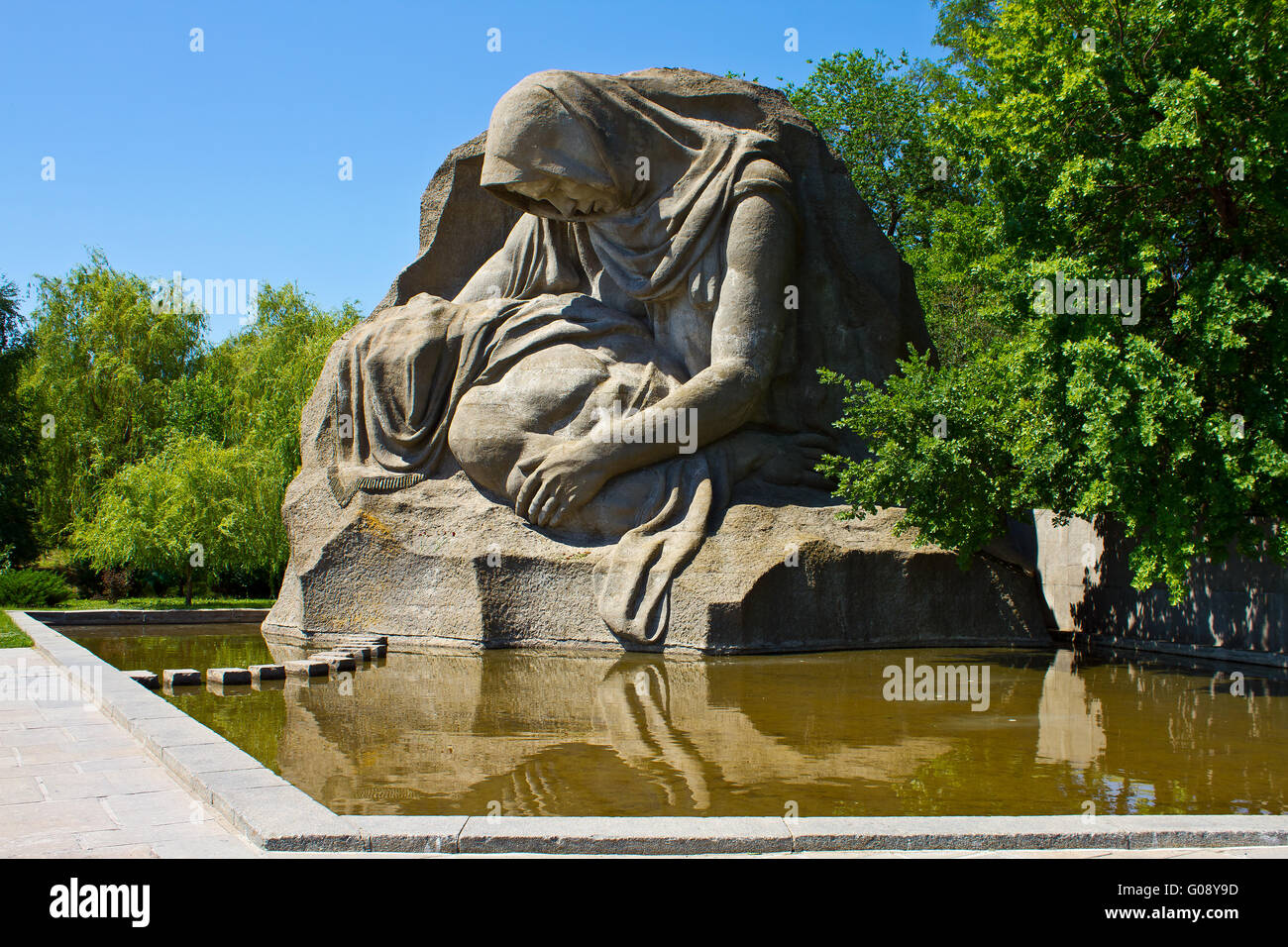 Monument to the crying mother on Mamaev hill - Stock Image