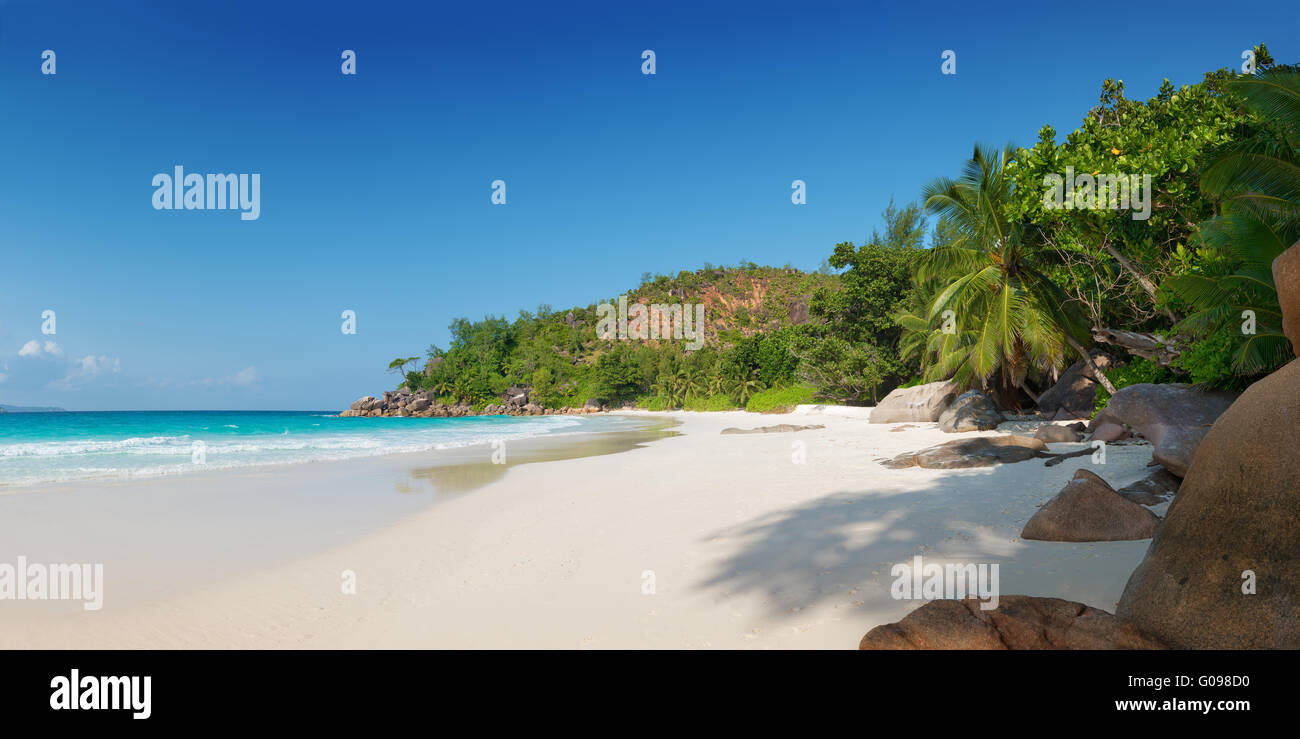 panoramic view of anse georgette beach in praslin island seychelles - Stock Image