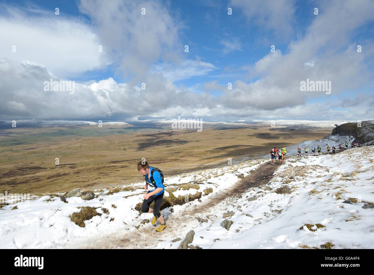 Runners taking part in the three peaks fell race in the Yorkshire Dales - Stock Image