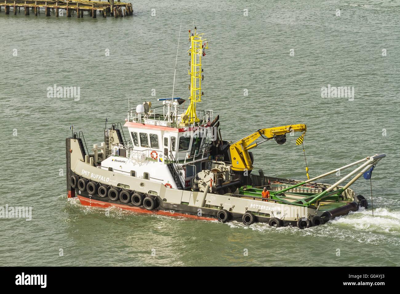 Dutch Tug Smit Buffalo At Sea Near Southampton UK - Stock Image