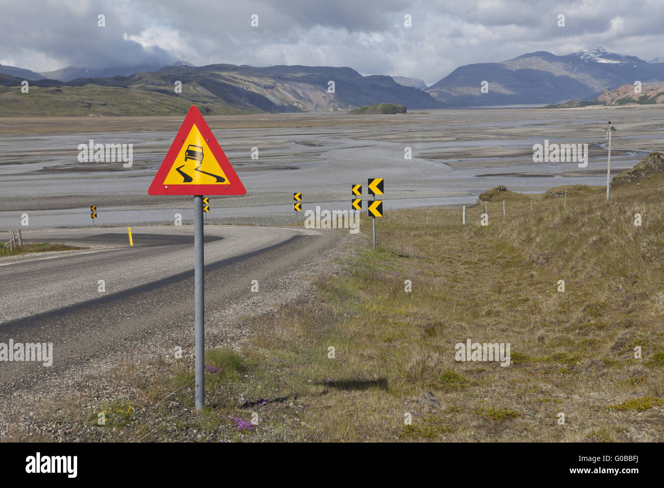 Dangerous curve on the ring road, Iceland - Stock Image
