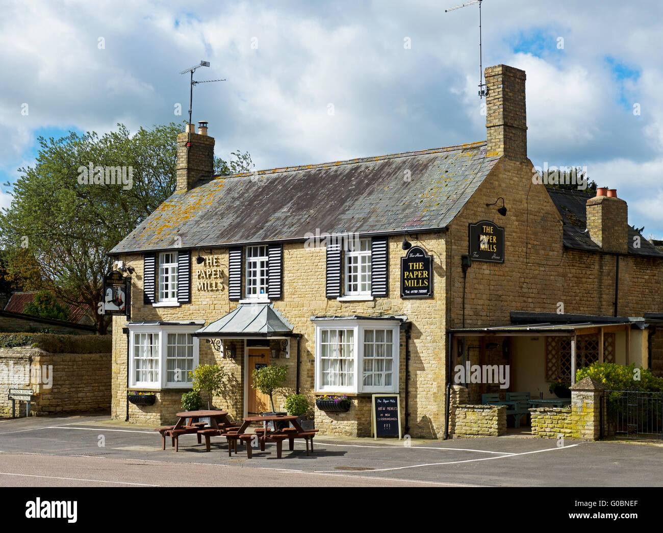 The Paper Mills pub in the village of Wansford, Cambridgeshire, England UK - Stock Image