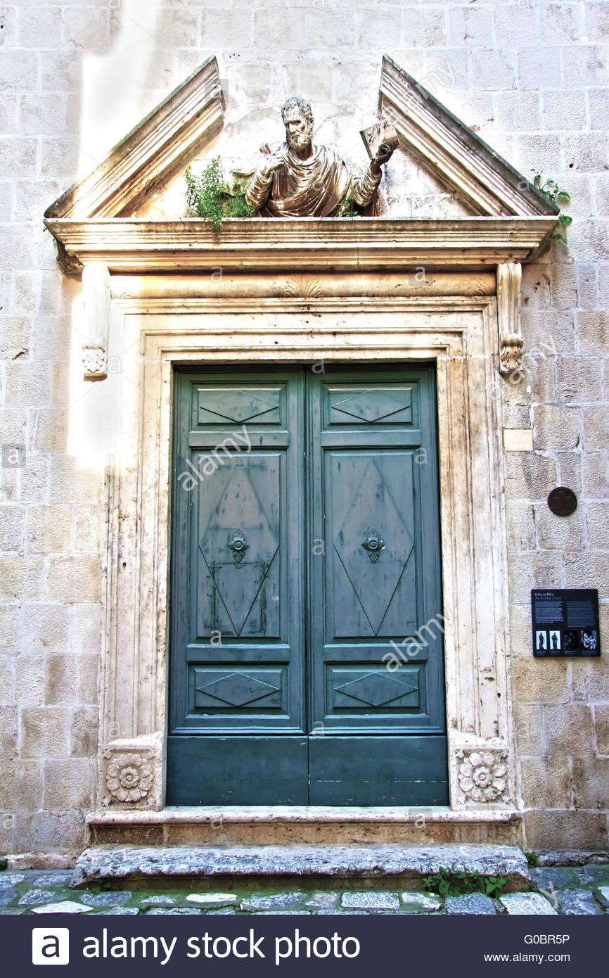St. Peters Church Doors & St. Peters Church Doors Stock Photo: 103521874 - Alamy