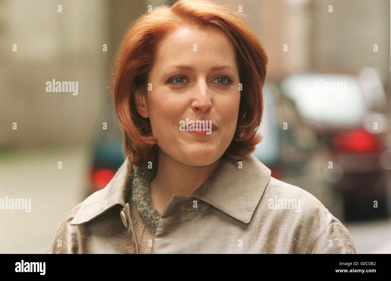 Gillian Anderson in Glasgow filming House of Mirth with Eric Stoltz in 1999 - Stock Image