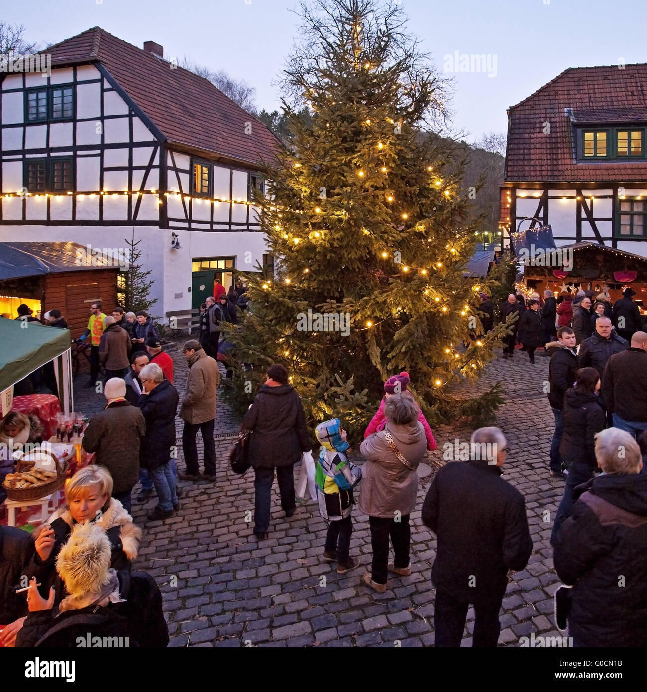 Iserlohn Weihnachtsmarkt.Christmas Market At Maste Barendorf Iserlohn Stock Photo 103542135
